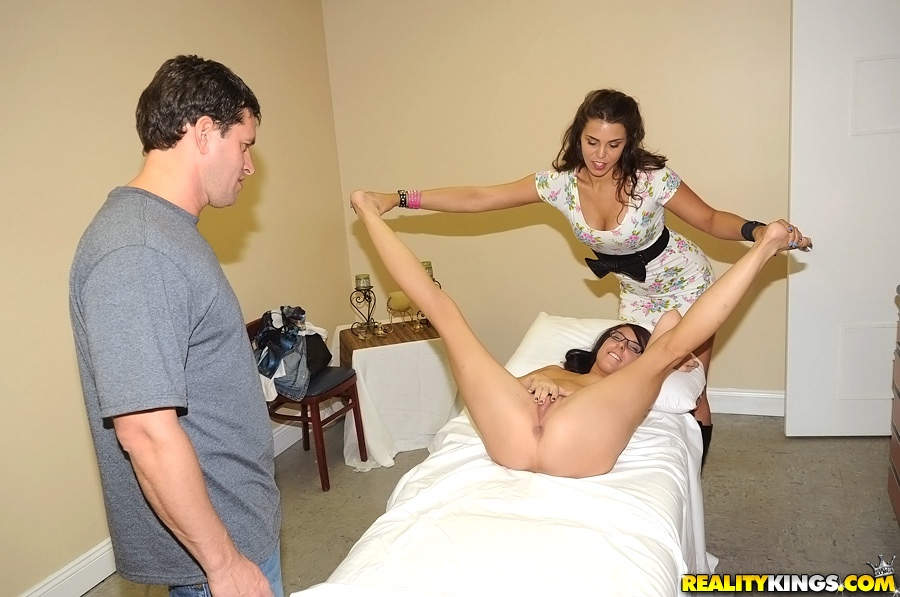 discounted 1 years pass for realitykings 2014-02-03