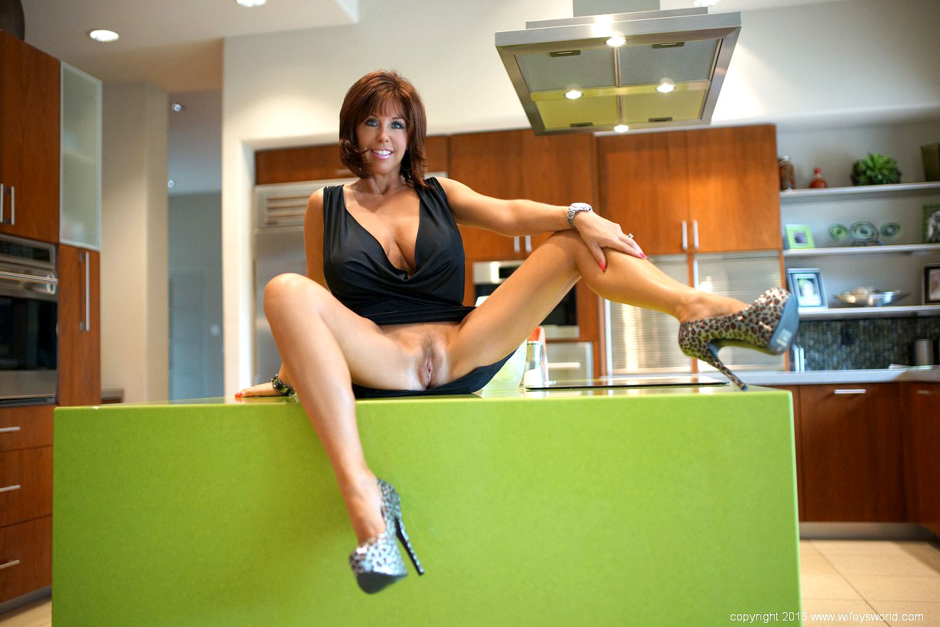1 month free member password for wifeysworld 2015-08-08