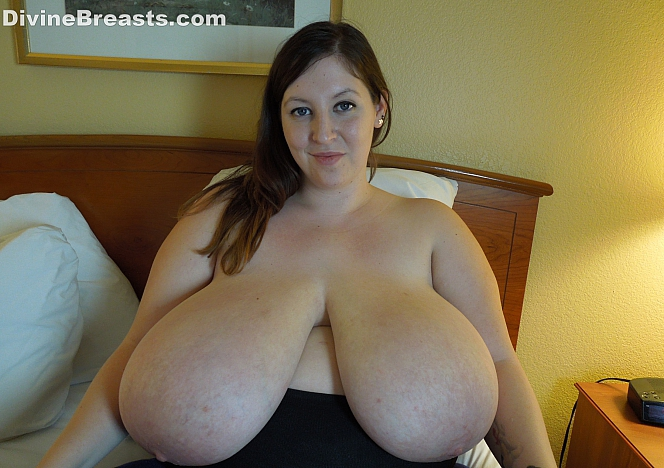 1 years passes for divinebreasts 2015-10-18